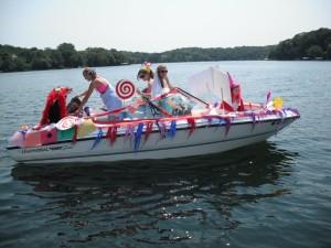 boat_parade_2012_001[1]rs